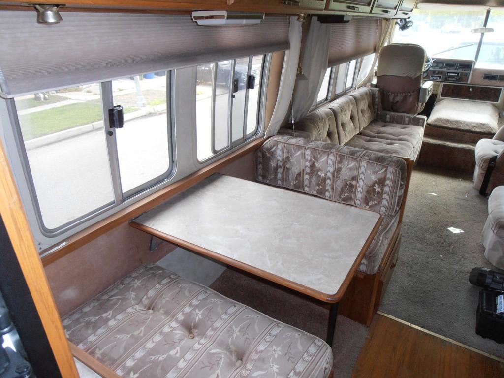 1986 Airstream 345