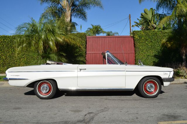 1962 Oldsmobile Cutlass F-85 Deluxe Convertible