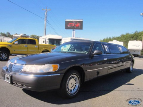 1999 Lincoln Town Car Executive for sale