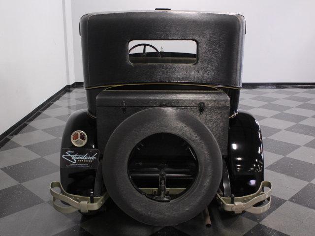 1927 Lincoln Sedan
