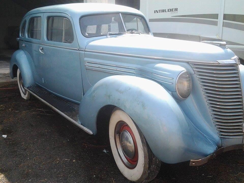 1938 Hupmobile 4 Door Sedan