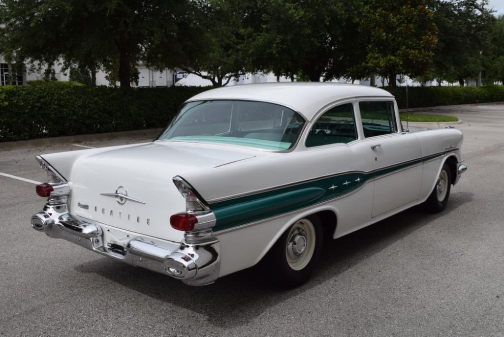 1957 Pontiac Chieftain For Sale