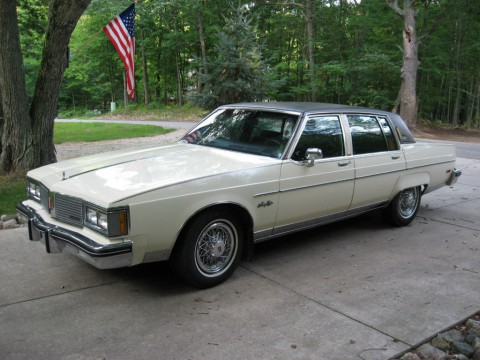 1983 Oldsmobile 98 Regency Sedan for sale