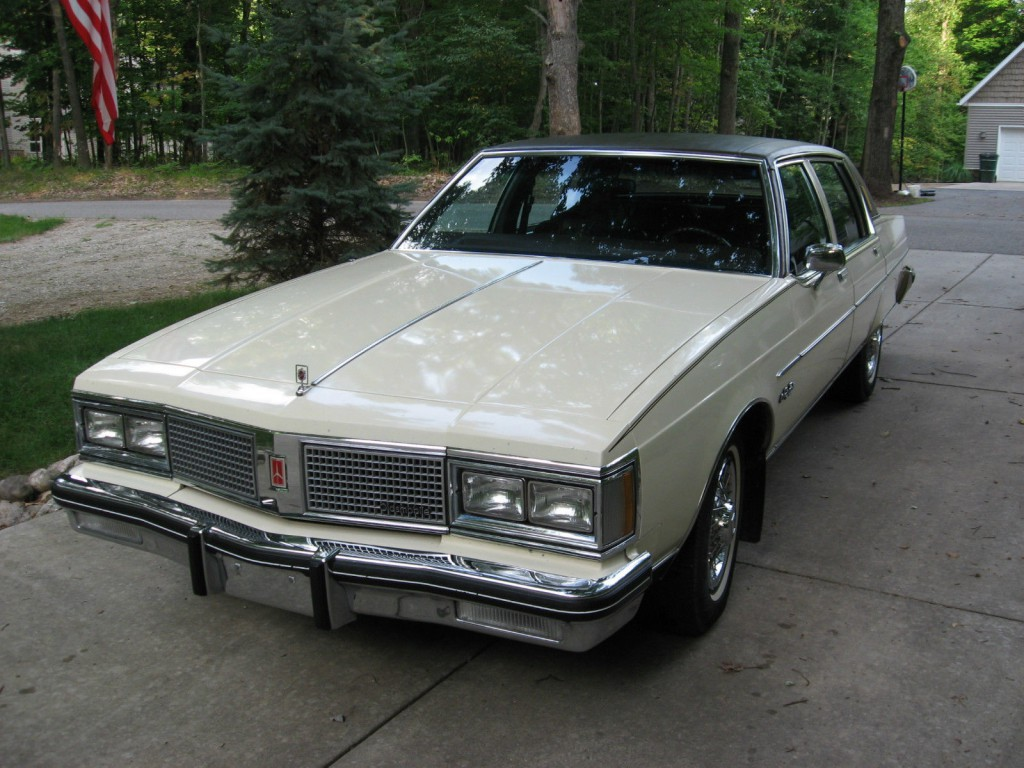 1983 Oldsmobile 98 Regency Sedan