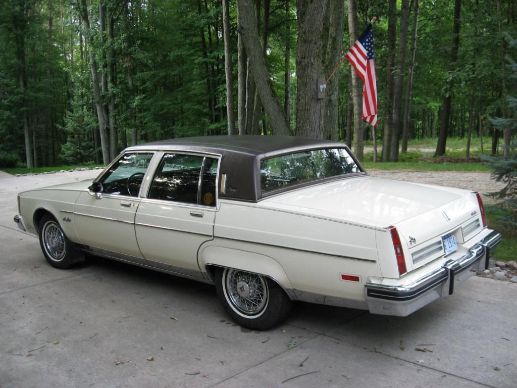 1983 Oldsmobile 98 Regency Sedan