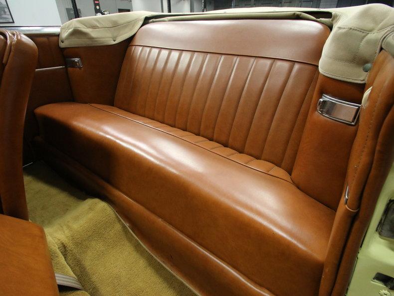 1950 Packard Super 8 Victoria