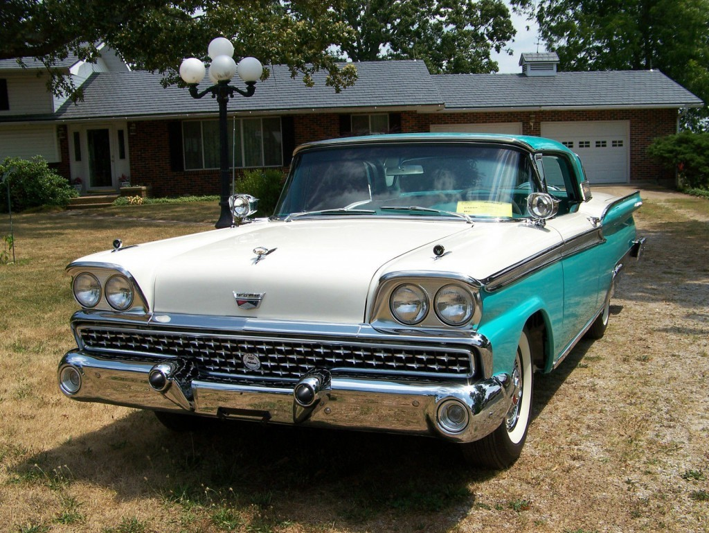 American Auto Sales: 1959 Ford Skyliner For Sale