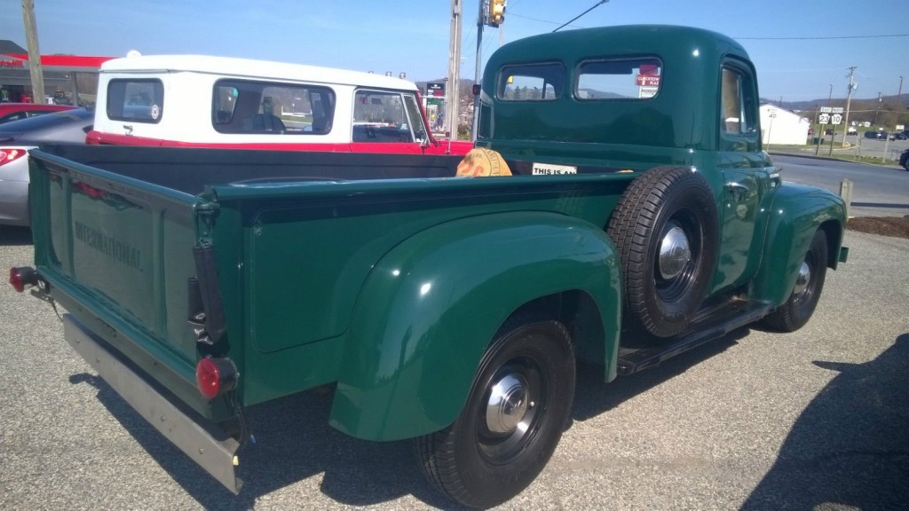 1950 International Harvester L-110