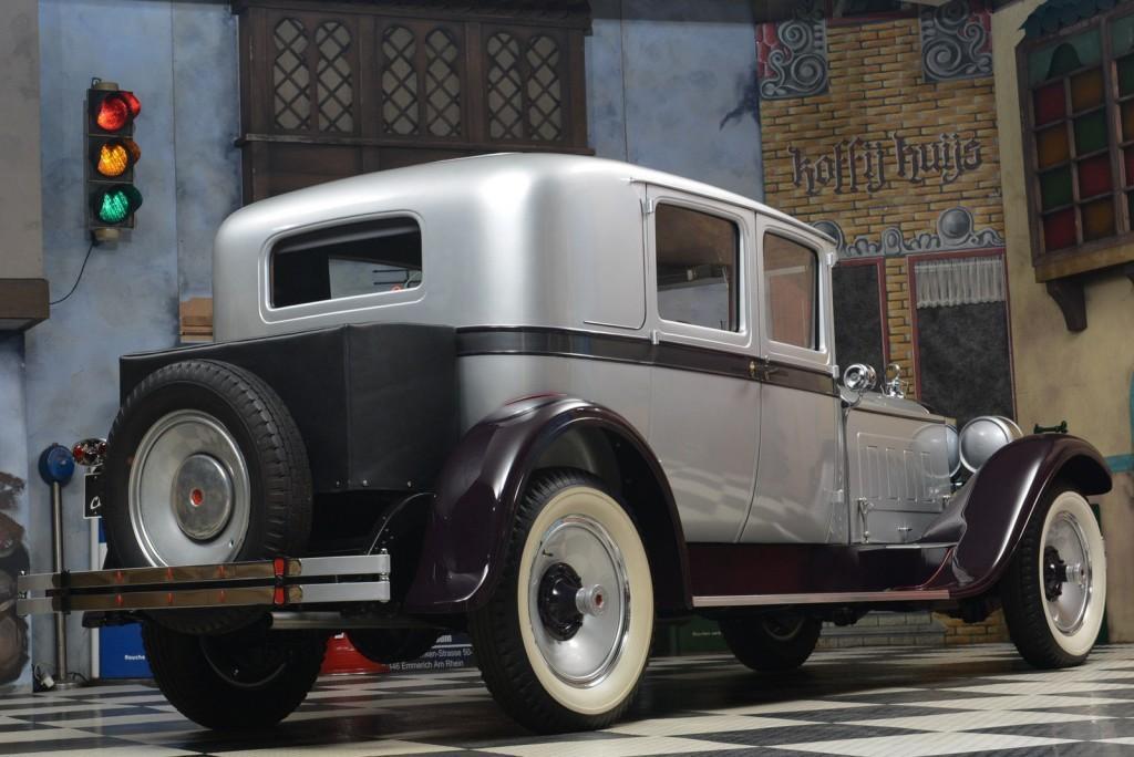 1928 Packard 443 Club Sedan