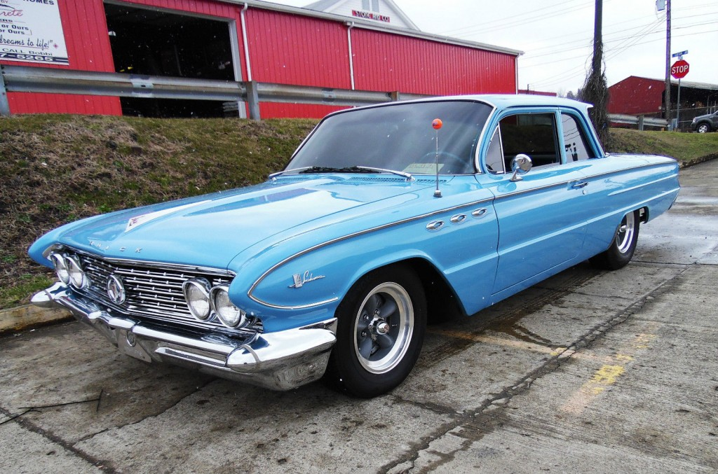 American Auto Sales: 1961 Buick LeSabre For Sale