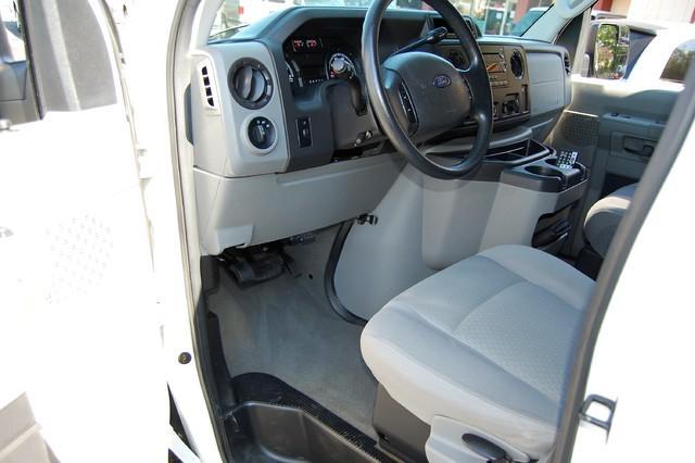 2010 Ford E-350