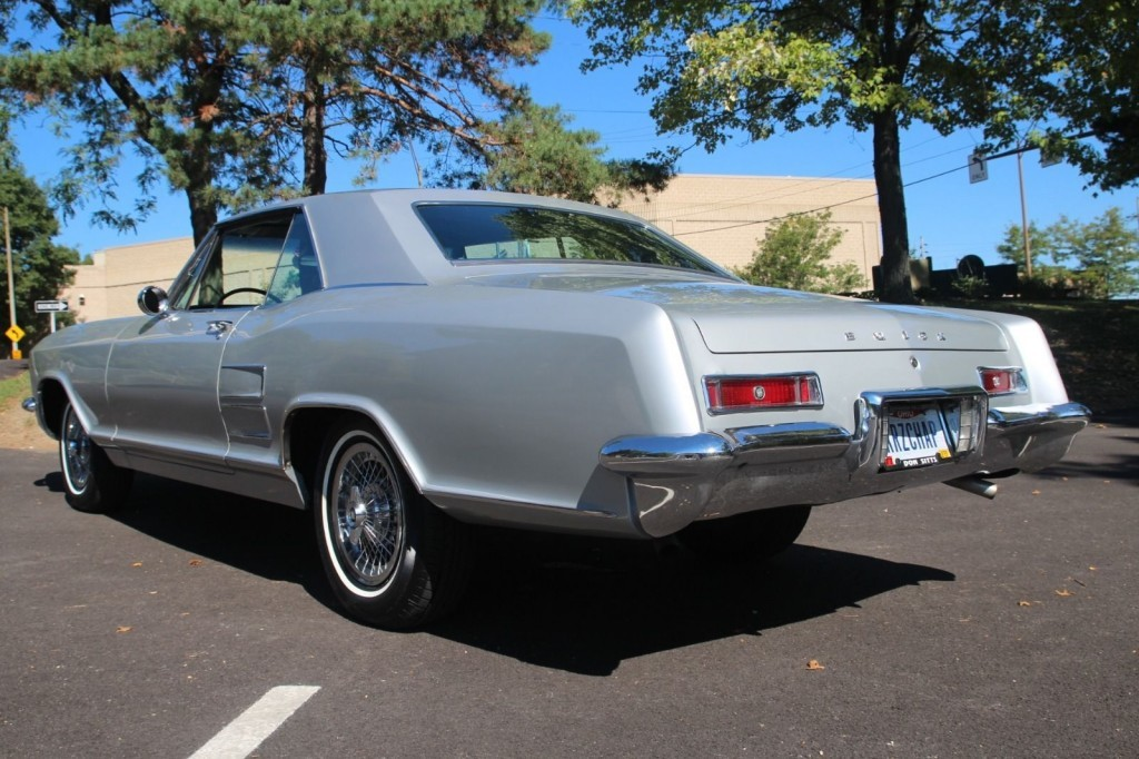 Buick Riviera American Cars For Sale X X on 1989 Lesabre Coupe