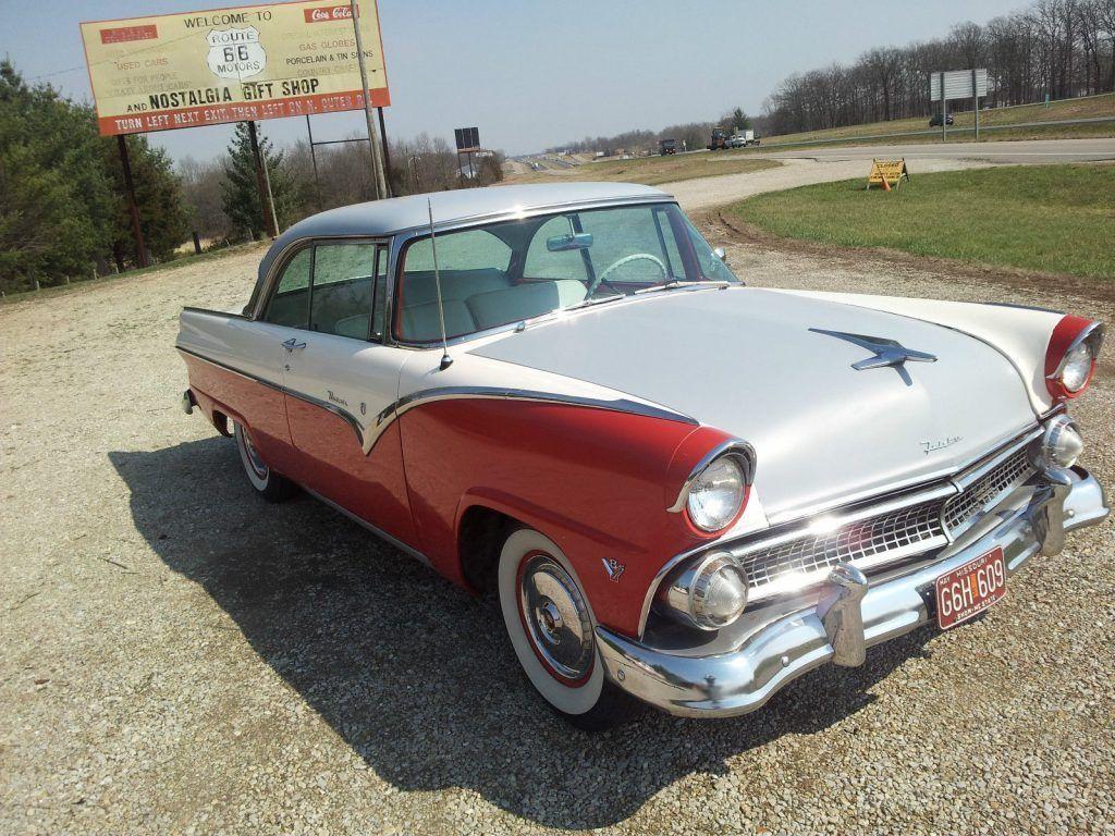 1955 Ford Fairlane Victoria