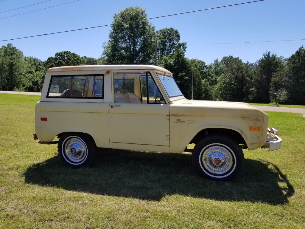 further Ford Bronco American Cars For Sale X X also Tudor in addition Ford Coupe American Cars For Sale X X together with Ckd B. on 1950 ford tudor deluxe