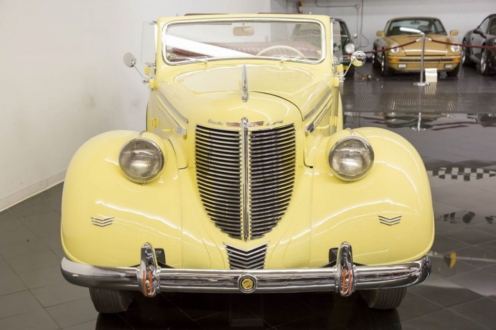 1938 Chrysler Imperial Eight Convertible Sedan