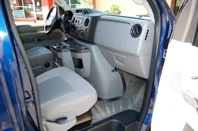 2013 Ford E-350