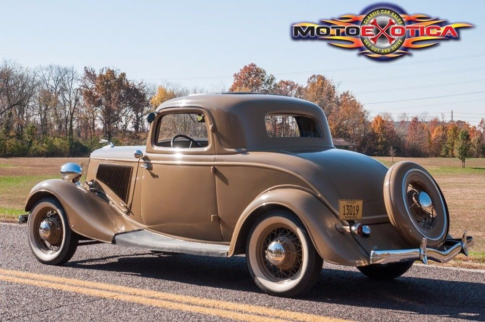 1934 Ford Deluxe Three Window Coupe
