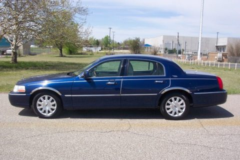 2011 Lincoln Town Car for sale