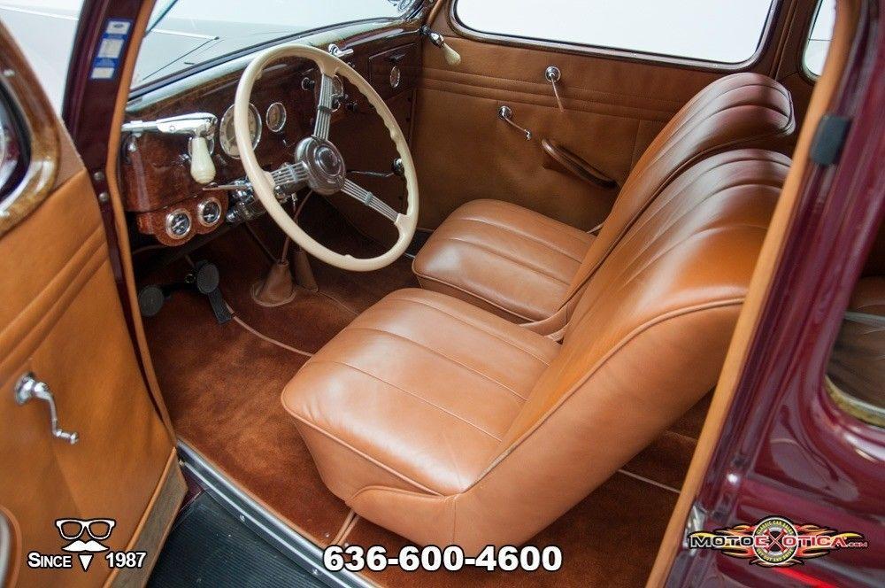 1935 Ford Tudor Deluxe