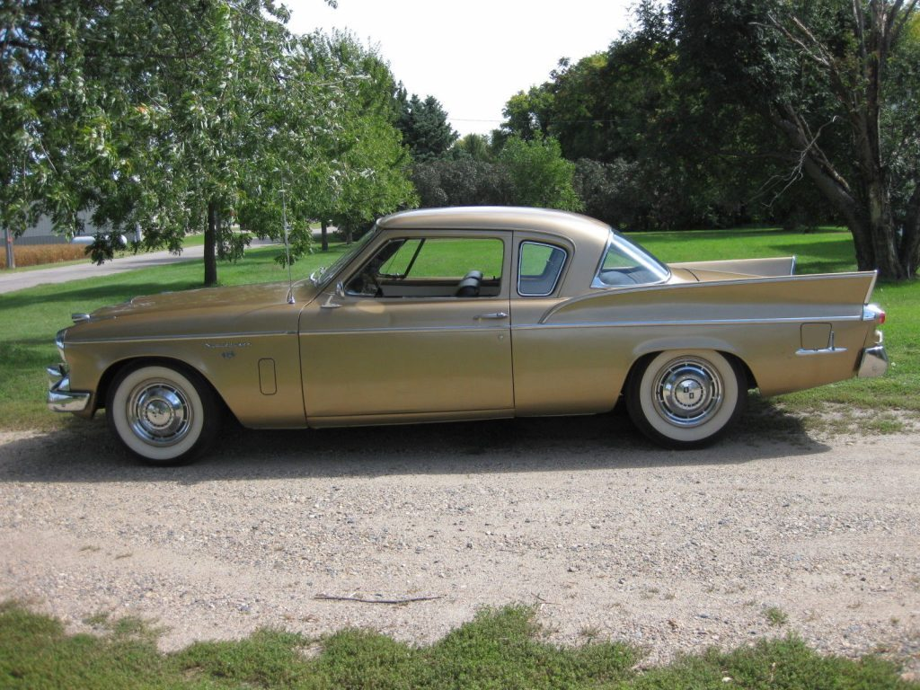 1957 Studebaker Silver Hawk