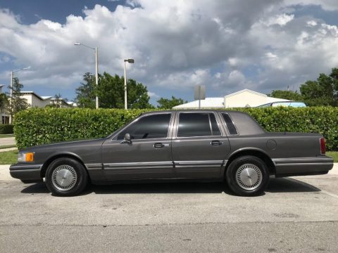 1991 Lincoln Town Car for sale