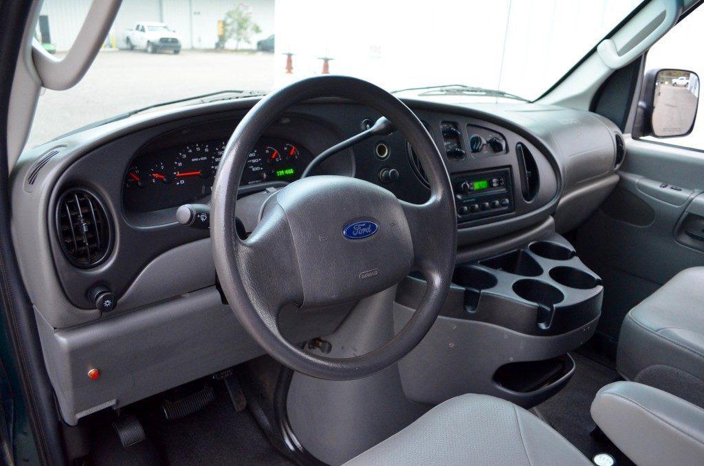 2008 Ford E-350