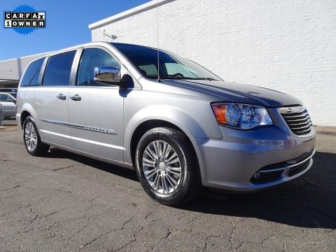 2015 Chrysler Town & Country for sale