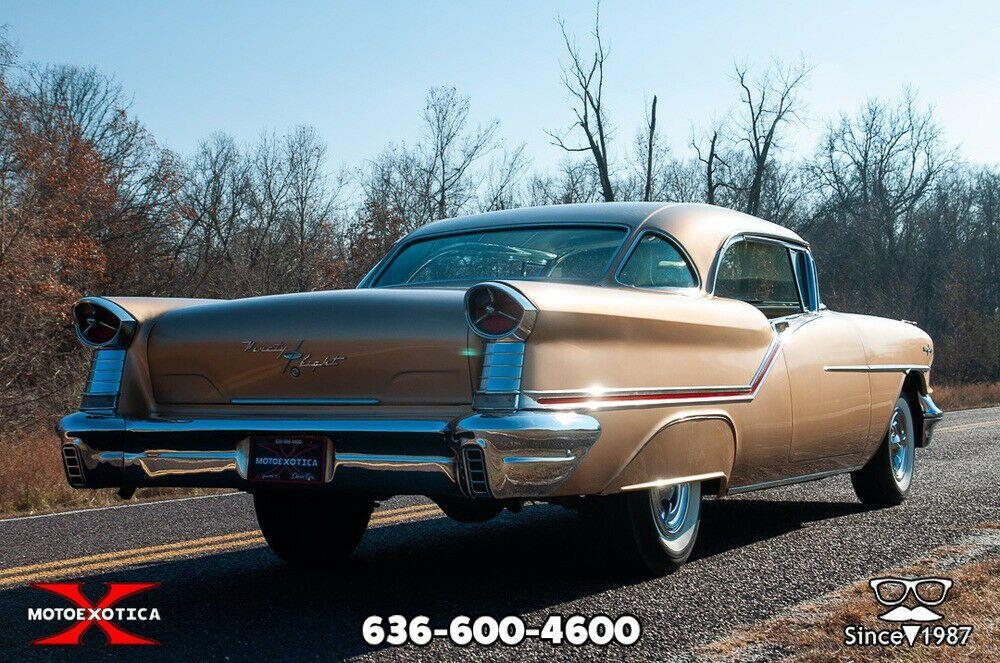 1957 Oldsmobile 98 Starfire