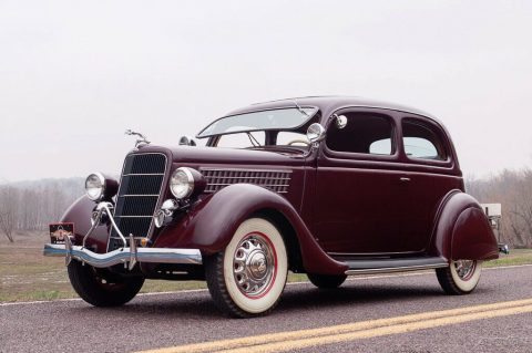 1935 Ford Model 48 Deluxe Tudor for sale