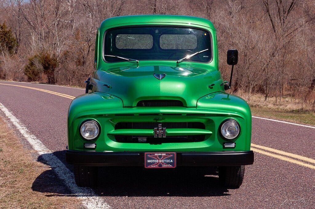 1952 International Harvester R-110