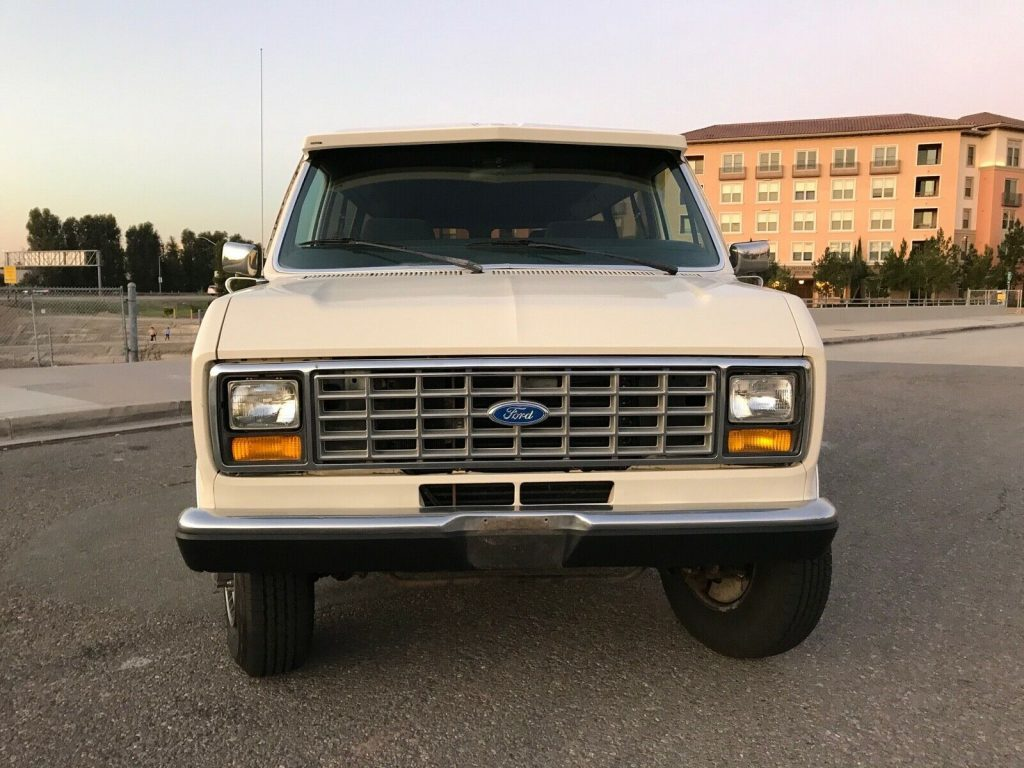 1990 Ford E-series