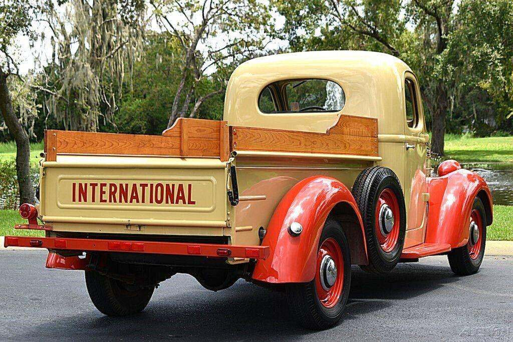 1939 International Harvester D2